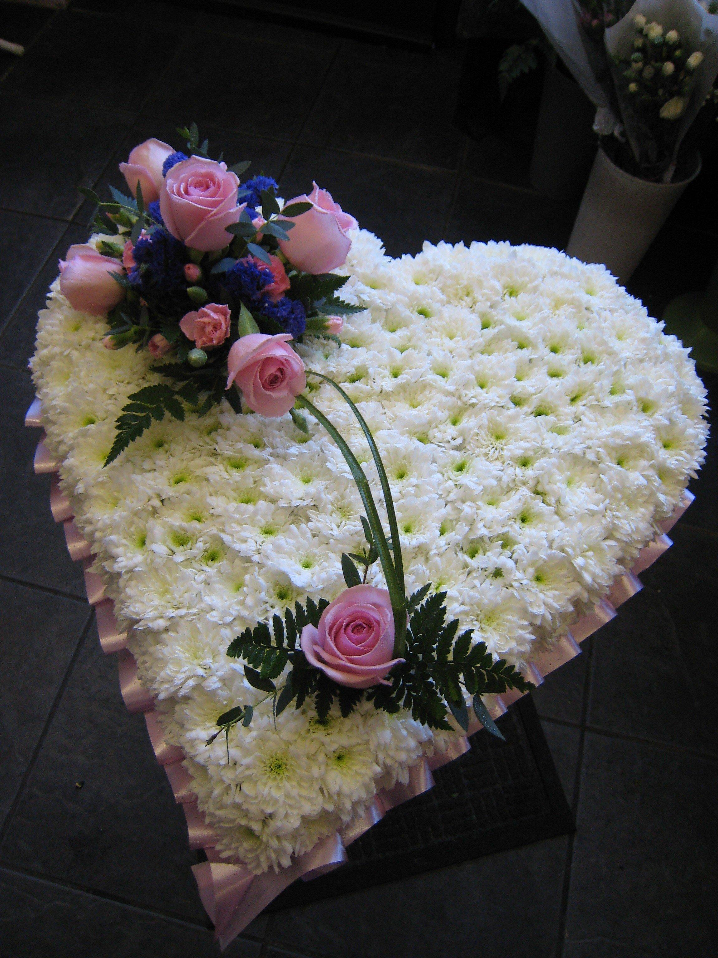 Jacaranda flowers hearts cushions pillow funeral tributes img2715 izmirmasajfo